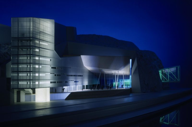 Musical Theater in the Mountain, Linz, view from the Danube. Photo: Gerald Zugmann | Berger+Parkkinen Architekten