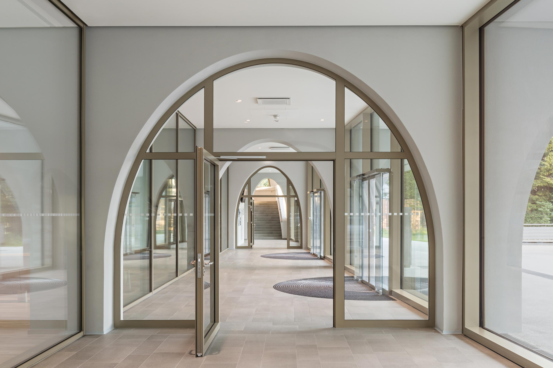 Institute of Pharmacy, entrance area. Photo: Hertha Hurnaus | Berger+Parkkinen Architekten