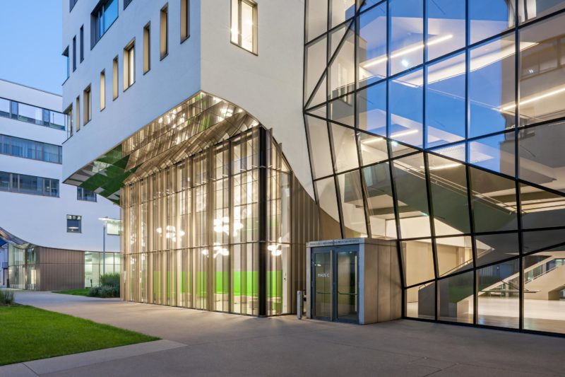 Paracelsus Medical University. Photo: Hertha Hurnaus | Berger+Parkkinen Architekten