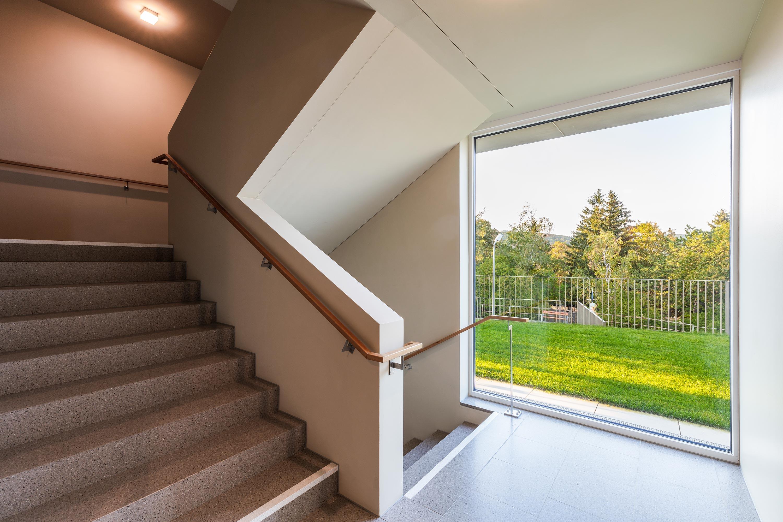 Stiegenaufgang in der Stadtvilla PH 35. Foto: Daniel Hawelka | Berger+Parkkinen Architekten