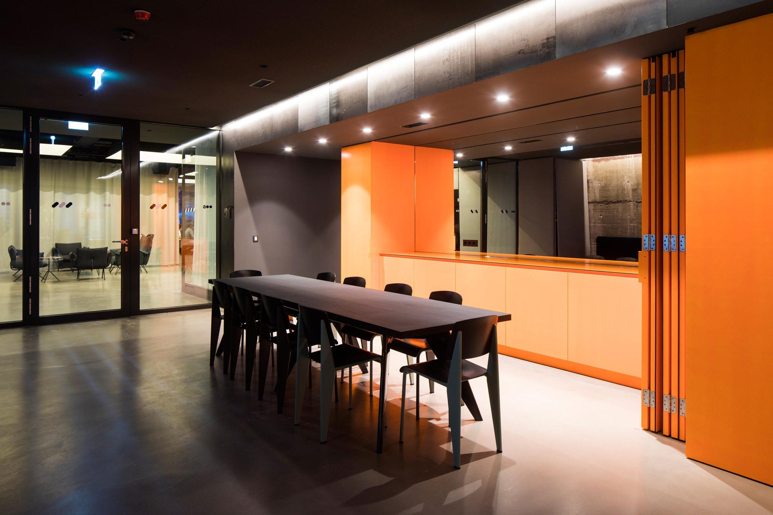 Addendum Redaktion und TV-Studio, Empfangsbereich. Foto: Wolfgang Thaler | Berger+Parkkinen Architekten